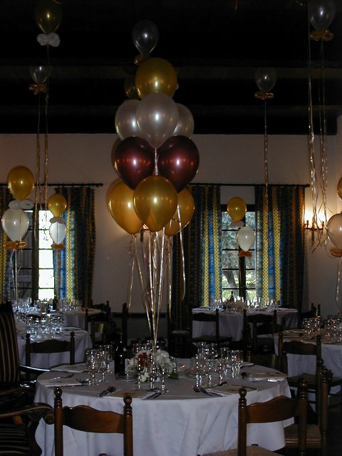 photos de d coration de mariage avec des ballons. Black Bedroom Furniture Sets. Home Design Ideas